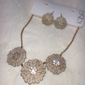Icing by Claire's flower necklace + earrings